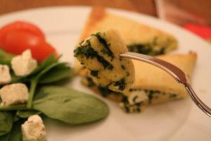 Nydelige piroger med spinat og fetaos