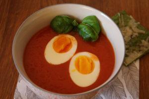 Tomatsuppen kan selvfølgelig serveres med egg om du ønsker det, eller kanskje begge deler?