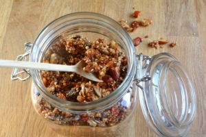 Kan oppbevares i et tett glass eller boks i kjøleskapet i flere uker